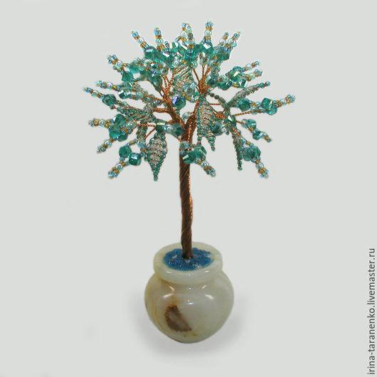 Дерево из горного хрусталя `Радость жизни` в вазочке из оникса