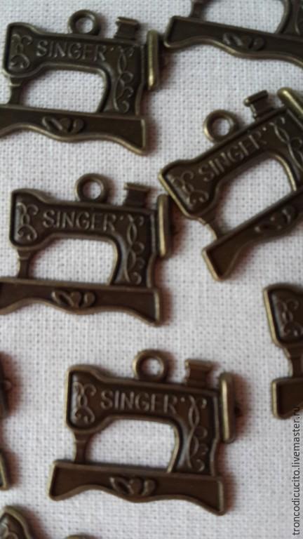 Для украшений ручной работы. Ярмарка Мастеров - ручная работа. Купить Подвеска кулон (шарм) швейная машинка singer. Handmade.
