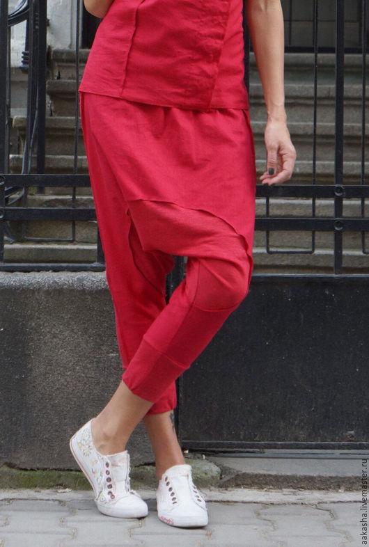 Брюки летние яркие с мотней из льна свободный стиль городская мода удобная одежда сочный цвет ярко-красный