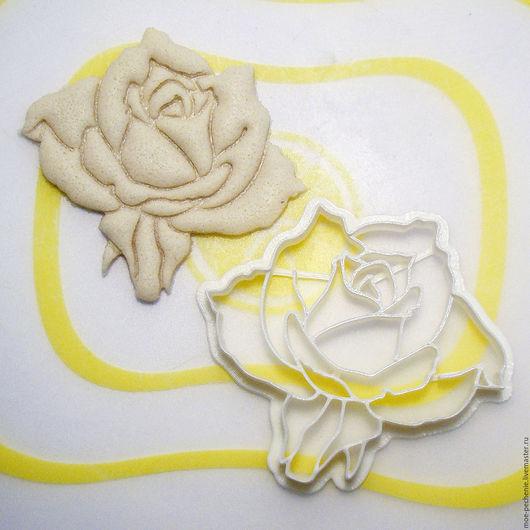 Роза (02). Вырубка-штамп для пряника, печенья, мастики, поделок из соленого теста. Образец оттиска на соленом тесте.