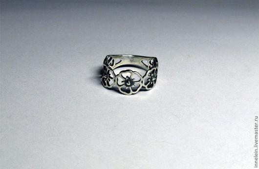 """Кольца ручной работы. Ярмарка Мастеров - ручная работа. Купить Серебряное кольцо """"Не наступи на маргаритки"""". Handmade. Серебряное кольцо"""