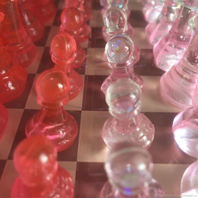 Настольные игры ручной работы. Ярмарка Мастеров - ручная работа. Купить Шахматы «Гламурные» из ювелирной смолы. Handmade. Гламур, люминофор