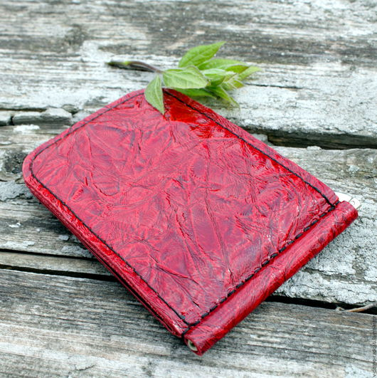 Зажим для денег, кошелек зажим, кошелек для купюр, купить кожаный кошелек, красный кожаный кошелек, черный кошелек, мужской кошелек. Мастер Сечкина Юлия http://www.livemaster.ru/v-dome-radosti