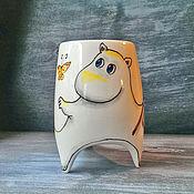 """Посуда ручной работы. Ярмарка Мастеров - ручная работа """"Муми-тролль и бабочки"""" - чашка с ножками. Handmade."""