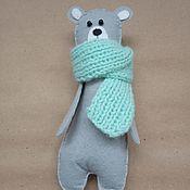 Мягкие игрушки ручной работы. Ярмарка Мастеров - ручная работа Стильный медведь в шарфе. Handmade.