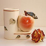 Для дома и интерьера handmade. Livemaster - original item Porcelain pencil holder with an apple. Handmade.