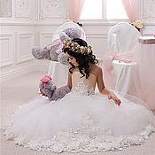 Свадебный салон ручной работы. Ярмарка Мастеров - ручная работа Роскошное платье для принцессы с объемными цветами. Handmade.