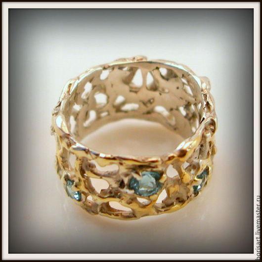 Кольца ручной работы. Ярмарка Мастеров - ручная работа. Купить Авторское кольцо с  голубыми топазами 2. Handmade. Кольцо