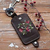 Сумка-мешок ручной работы. Ярмарка Мастеров - ручная работа Ключница/Чехол для ключей из кожи Christmas berries. Handmade.