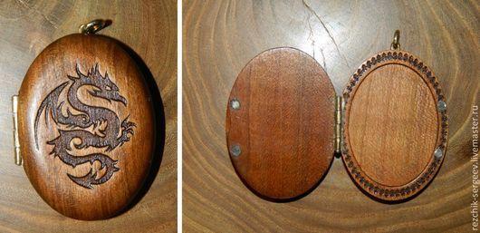 Кулоны, подвески ручной работы. Ярмарка Мастеров - ручная работа. Купить Медальон из дерева с гравировкой. Handmade. Медальон, металлическая фурнитура