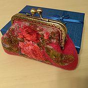 Сумки и аксессуары handmade. Livemaster - original item The cosmetic bag is felted on the clasp gift girl. Handmade.