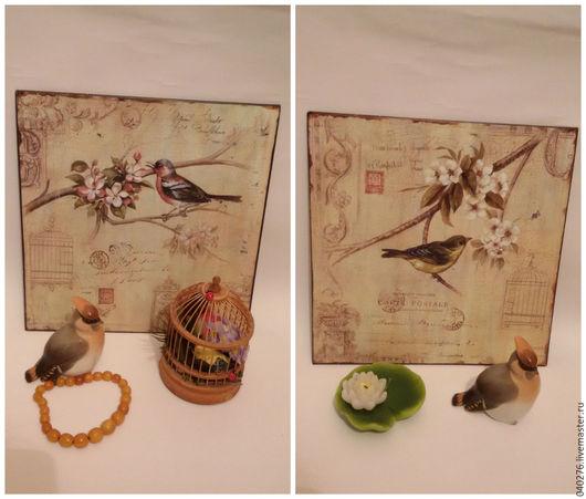 Декоративные панно- картины `Птица счастья`- 2 шт. Панно на металле, новые, 30 х 30 см, два крепления на задней стороне, очень стильный предмет декора интерьера в винтажном стиле.