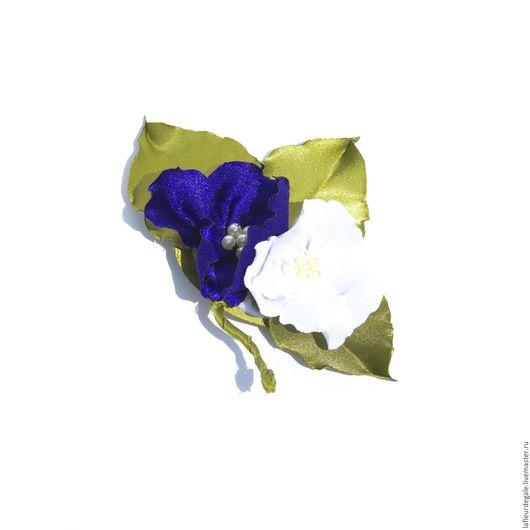 """Броши ручной работы. Ярмарка Мастеров - ручная работа. Купить Фиалки """"Милая парочка"""" (Violets """"The Lovely Couple"""").. Handmade."""