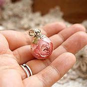 Украшения ручной работы. Ярмарка Мастеров - ручная работа 3.Кулон-сфера с с цветком розы, 18 мм. Handmade.