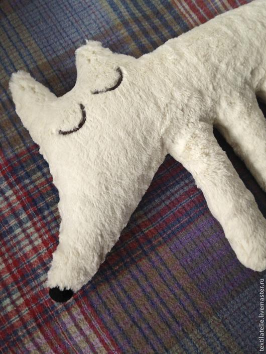 Игрушки животные, ручной работы. Ярмарка Мастеров - ручная работа. Купить Сонный полярный лис. Интерьерная игрушка-подушка из меха. Handmade.