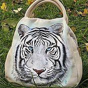 """Классическая сумка ручной работы. Ярмарка Мастеров - ручная работа Сумка с росписью """"Белый тигр"""". Handmade."""