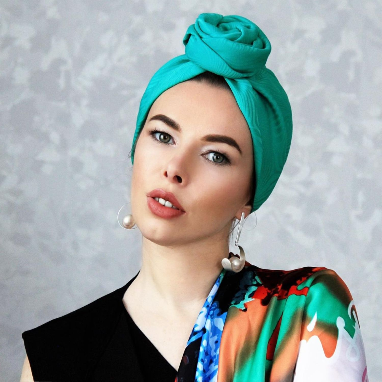 Turban-turban with a volume node 'Emerald', Caps, Ekaterinburg,  Фото №1
