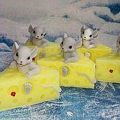 Косметика ручной работы. Ярмарка Мастеров - ручная работа ``Мышка в сыре`` мыло ручной работы. Handmade.
