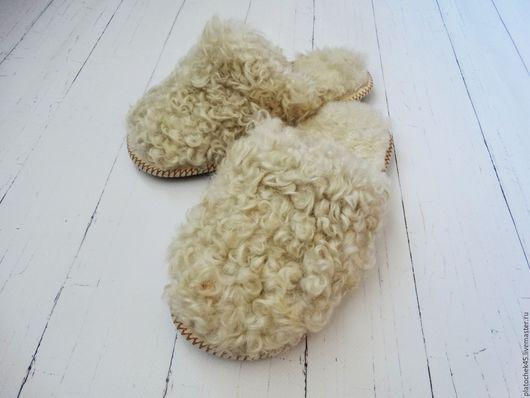 """Обувь ручной работы. Ярмарка Мастеров - ручная работа. Купить Тапочки под """"каракуль"""". Handmade. Белый, овчина"""