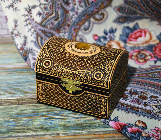 Шкатулки ручной работы. Ярмарка Мастеров - ручная работа. Купить Сундучок деревянный с тигровым глазом. Handmade. Тигровый глаз натуральный