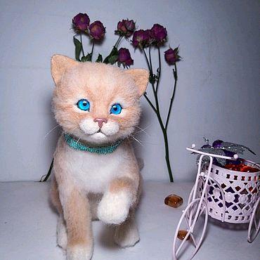 Куклы и игрушки ручной работы. Ярмарка Мастеров - ручная работа Игрушки: Валяный котенок Мироша. Handmade.