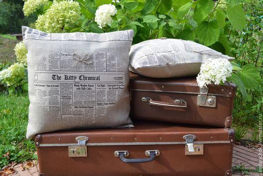 """Текстиль, ковры ручной работы. Ярмарка Мастеров - ручная работа. Купить Наволочки на подушки """"Газетный разворот"""" (100 % лен). Handmade."""