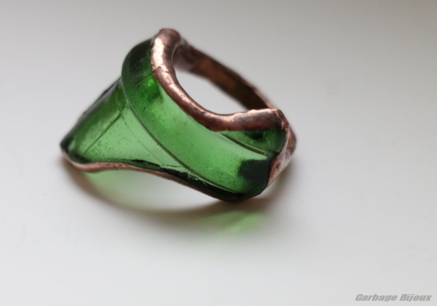 изумрудные кольца