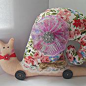 Куклы и игрушки ручной работы. Ярмарка Мастеров - ручная работа Интерьерная улитка в стиле тильда Нежная роза. Handmade.