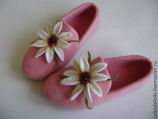 Обувь ручной работы. Ярмарка Мастеров - ручная работа. Купить Тапочки Белый лотос. Handmade. Розовый, тапочки, тапочки из шерсти