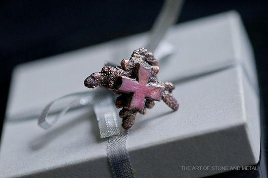 """Украшения для мужчин, ручной работы. Ярмарка Мастеров - ручная работа. Купить Кольцо с родонитом """"мальтийский крест"""". Handmade. Кольцо"""