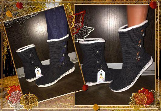 """Обувь ручной работы. Ярмарка Мастеров - ручная работа. Купить сапоги женские, вязанные крючком """"Бантики"""". Handmade. Обувь на заказ"""