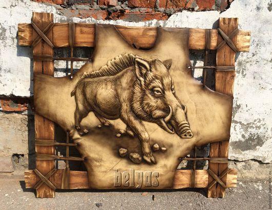 Панно из натуральной кожи. Прекрасное украшение интерьера охотника и коллекционера.