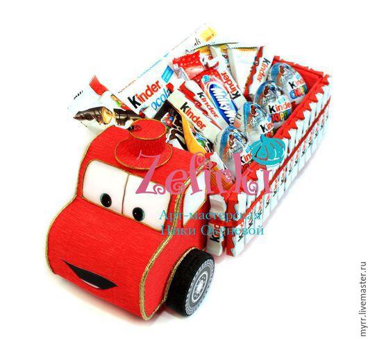 Персональные подарки ручной работы. Ярмарка Мастеров - ручная работа. Купить Грузовик из киндеров конфет Kinder Surprise подарок мальчику ребёнку. Handmade.