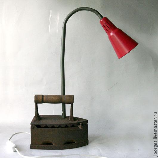 Освещение ручной работы. Ярмарка Мастеров - ручная работа. Купить Лампа настольная авторская. Handmade. Утюг, авторская ручная работа