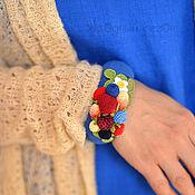 Украшения ручной работы. Ярмарка Мастеров - ручная работа Синий браслет с вязаными ягодами. Handmade.