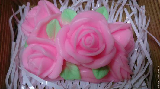 """Мыло ручной работы. Ярмарка Мастеров - ручная работа. Купить Сувенирное мыло ручной работы """"Букетик из роз"""". Handmade. Разноцветный"""