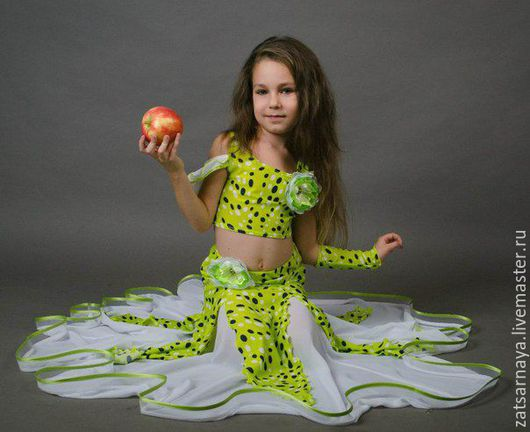 """Танцевальные костюмы ручной работы. Ярмарка Мастеров - ручная работа. Купить Костюм детский для беллиданс """"Киви"""". Handmade."""