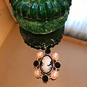 Винтаж handmade. Livemaster - original item Cameo with pearl cabochons, Holland. Handmade.