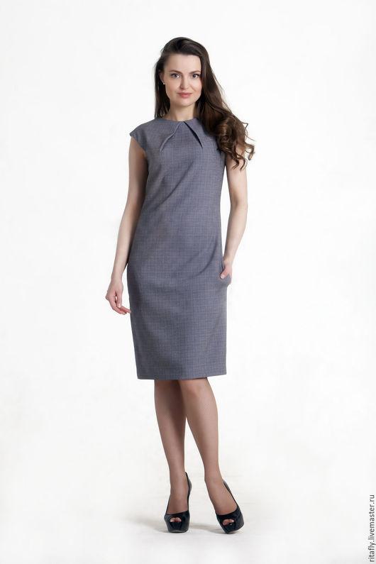 Модное платье на подкладке, без рукавов, с карманами. платье повседневное прямое со щлицей.