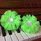 Работы для детей, ручной работы. Ярмарка Мастеров - ручная работа Банты 2 штуки комплект Цветок салатовый, на резинке. Handmade.