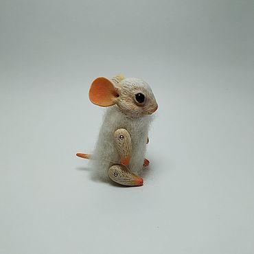 Куклы и игрушки ручной работы. Ярмарка Мастеров - ручная работа Мышонок белый. Handmade.