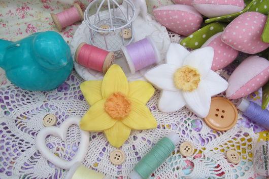 """Мыло ручной работы. Ярмарка Мастеров - ручная работа. Купить Мыло """"Нарцисс""""  на 8 марта. Handmade. Лимонный, подарок подруге"""