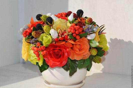 Цветы ручной работы. Ярмарка Мастеров - ручная работа. Купить Розы с шиповником и рябиной. Handmade. Ярко-красный, Холодный фарфор