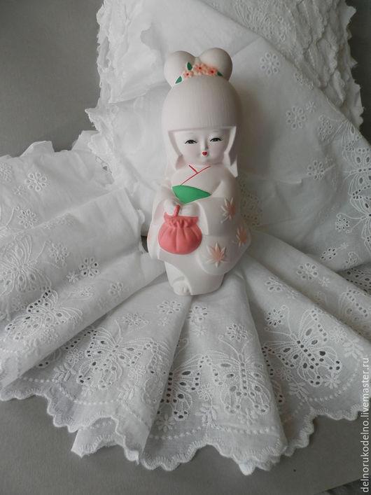 """Куклы и игрушки ручной работы. Ярмарка Мастеров - ручная работа. Купить Шитьё на батисте """"бабочки"""" 17 см.. Handmade. Белый"""