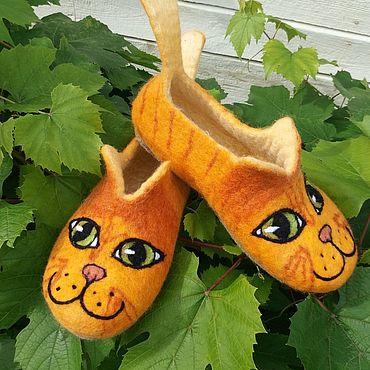 Footwear handmade. Livemaster - original item Slippers: Red cats. Handmade.