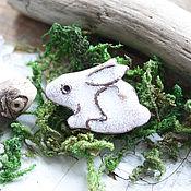 """Украшения ручной работы. Ярмарка Мастеров - ручная работа Брошь """" Белый Кролик"""". Handmade."""