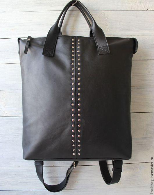 Рюкзаки ручной работы. Ярмарка Мастеров - ручная работа. Купить Кожаная сумка- рюкзак с заклепками, в черном. Handmade. Черный