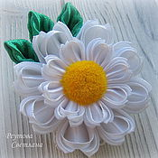 Работы для детей, handmade. Livemaster - original item Elastic hair Daisies in the technique of kanzashi. Handmade.