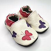 Одежда детская handmade. Livemaster - original item Baby moccasins // Baby slippers // Newborn shoes // Baby shoes girl. Handmade.