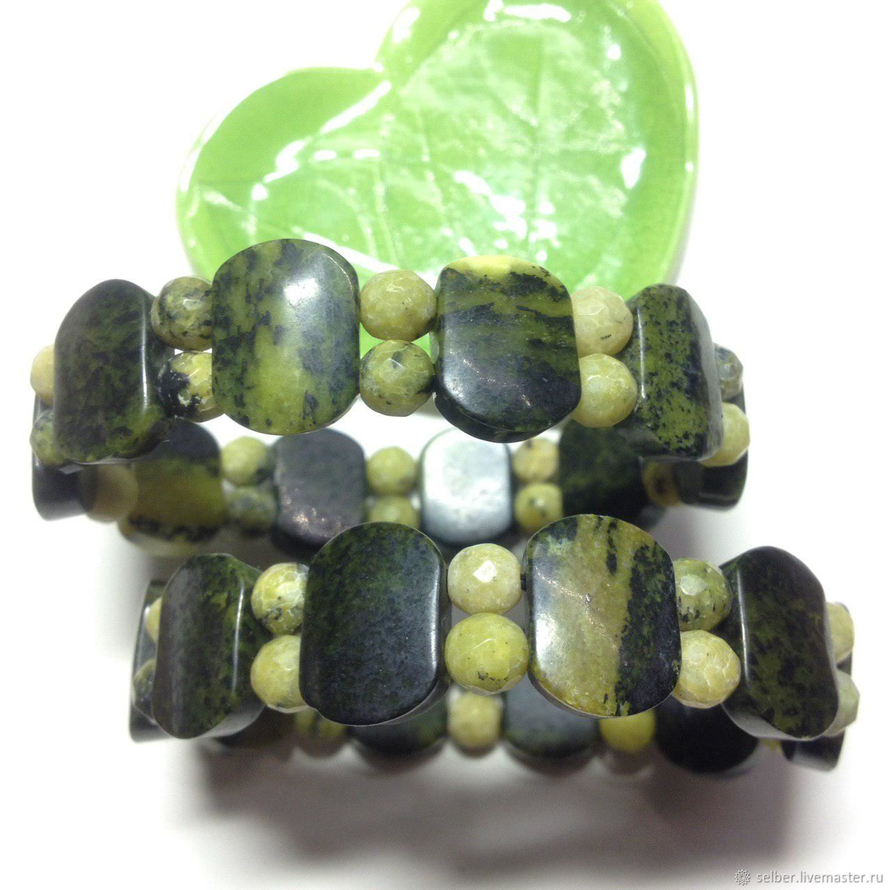 A pair of bracelets made of serpentine Brooding green, Bead bracelet, Gatchina,  Фото №1